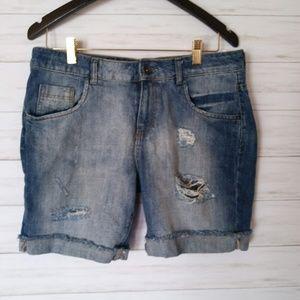ZARA   Distressed Girlfriend Shorts